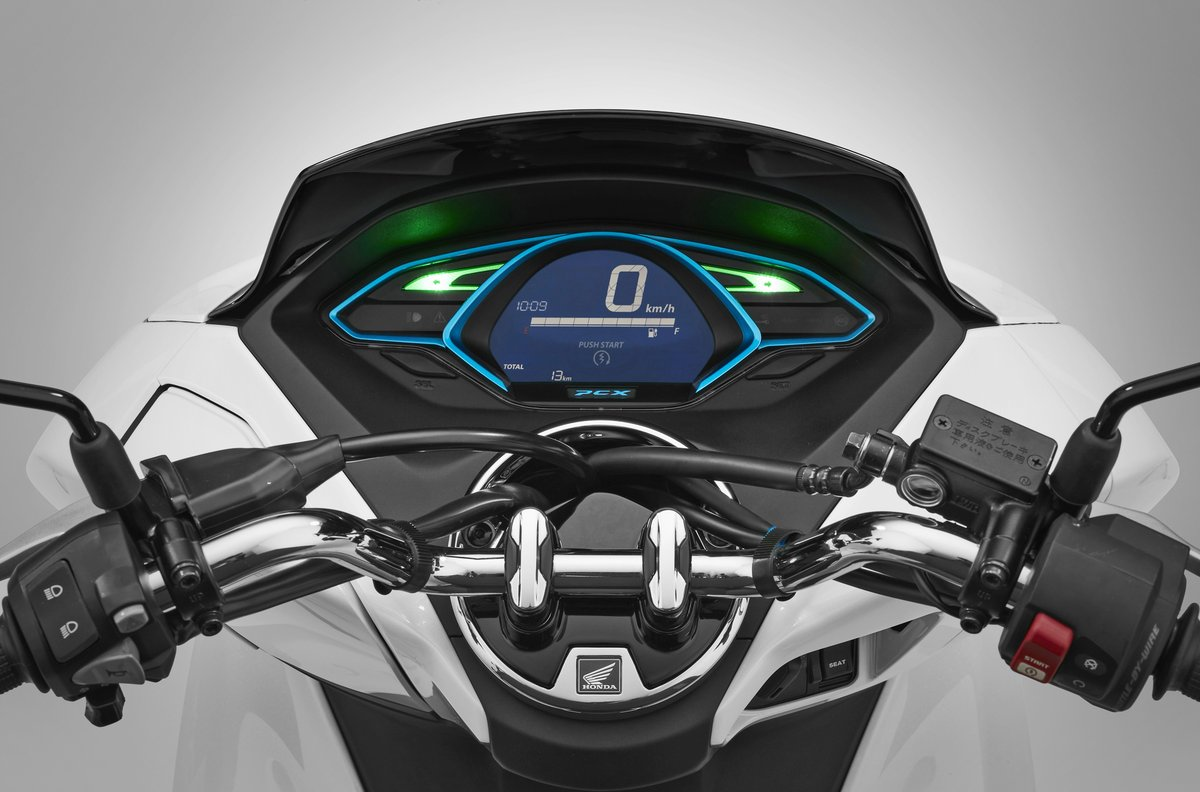 new-honda-pcx-electric_speedometer