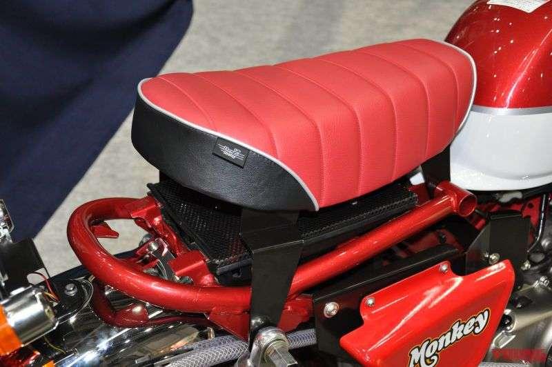 jok monkey 125 merah hitam