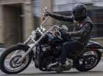 Harley Davidson Softail Standard 2020 di Jalan Raya