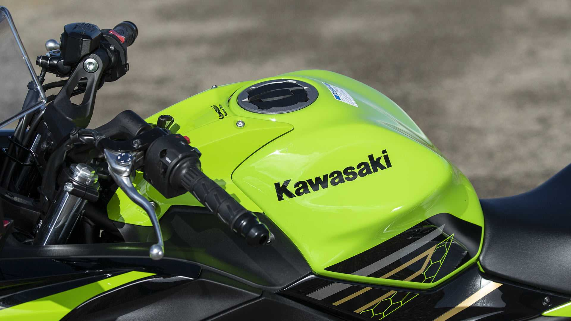 Tangki Kawasaki Ninja 650 ABS KRT Edition 2020