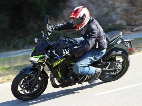 Test Ride Kawasaki Z650 2020